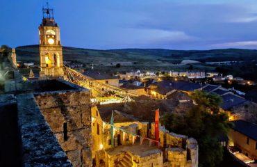 Puebla de Sanabria se impone en el concurso navideño Ferrero Rocher y será el pueblo mejor iluminado de España